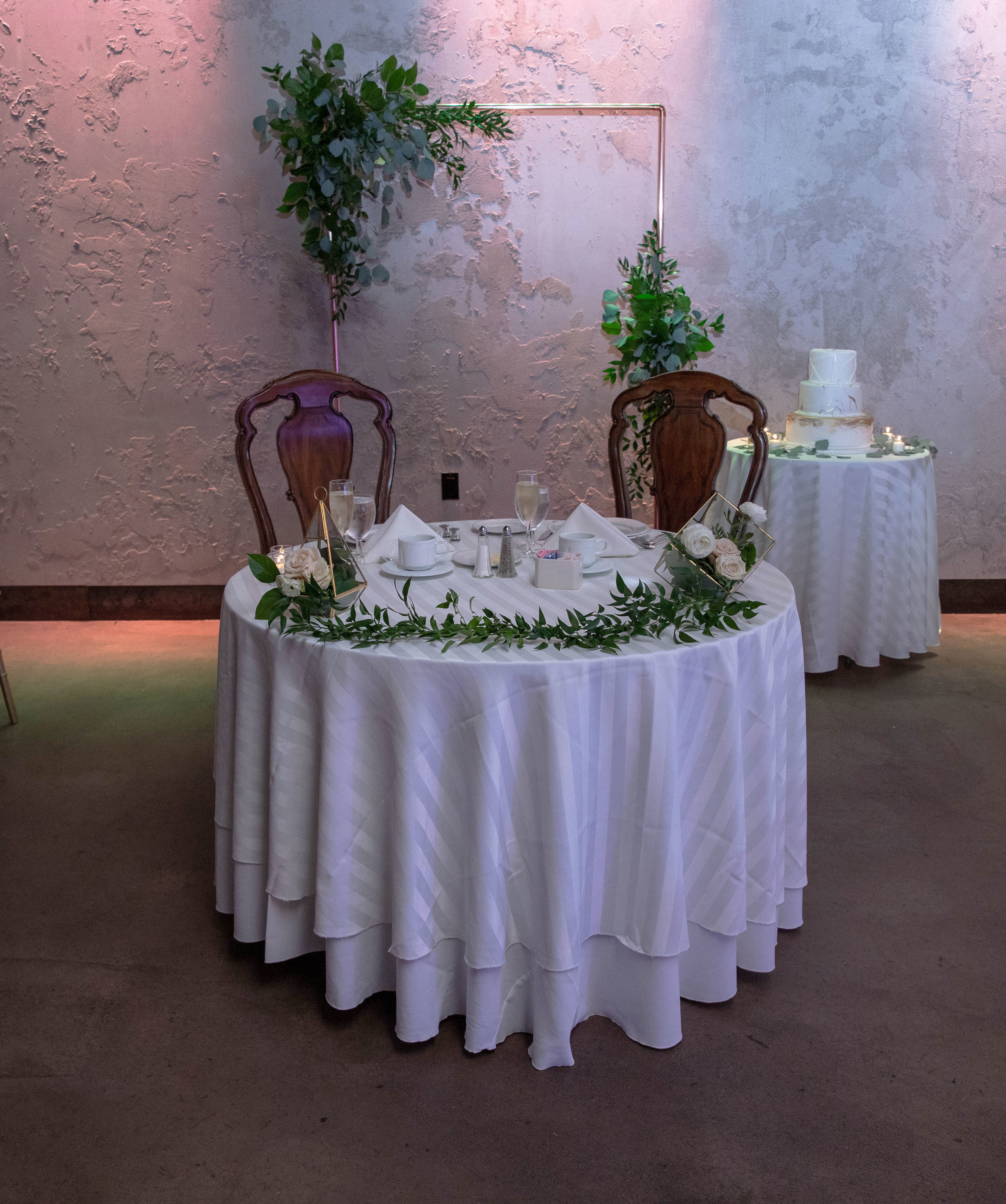 Evelisa Floral & Design_Full Sweetheart table design_Cropped.jpg