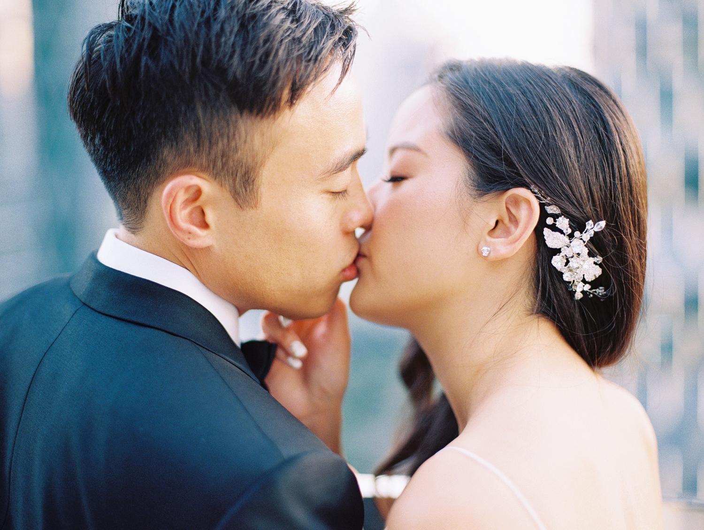 romantic kiss in bangkok thailand