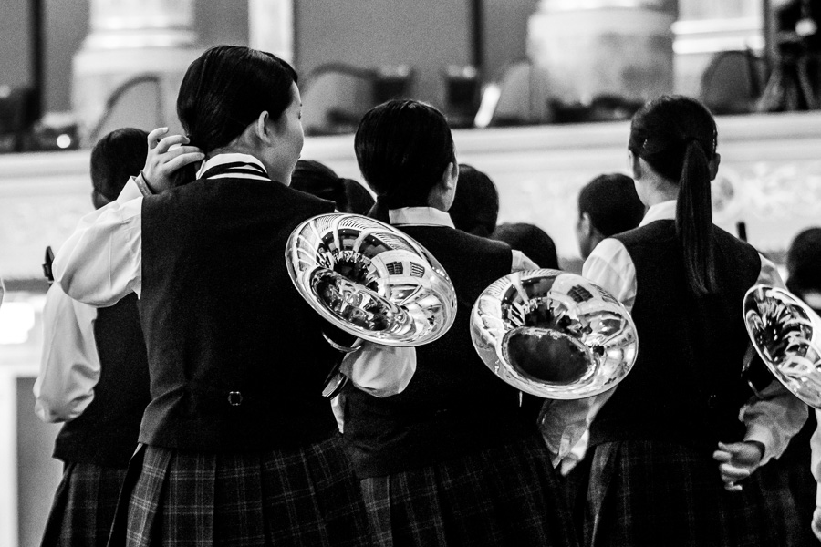 Girls-Japanise-Youth-Orquestra-Musikverein-Viena-French-Horns-1-Photographer-Nelly-del-Arbo.jpg
