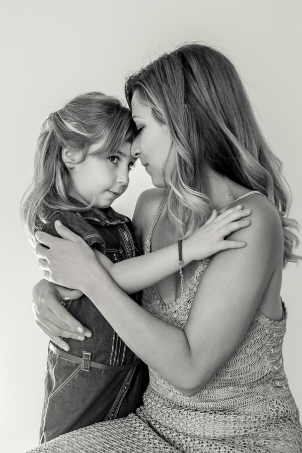 (c)Retrato-Mama-Hija-Amor-por-Siempre-1-Fotografo-Nelly-del-Arbo.jpg