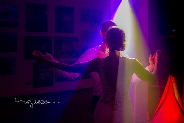 Dancing mood. The coolest night ever...thank you guys from @tecnosonido_alicante always is a pleasure to work together. #happytime #dancing_is_life #weddings #destinationphotographer #partytime