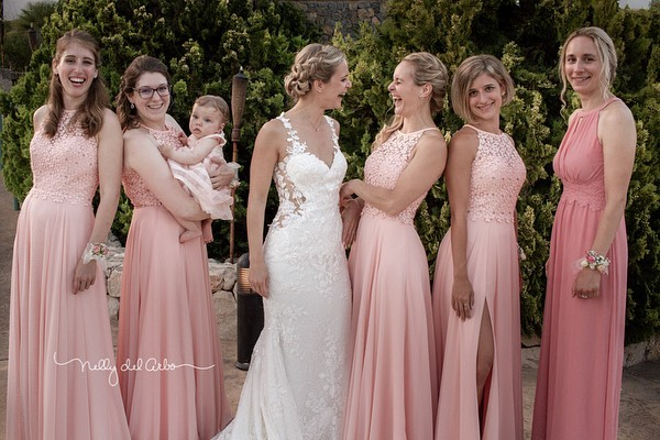 Bride, sister and best friends forever. #weddings #bridesmaids #bride #fun  #destinationwedding #weddingspain inspain #photos#bodas2019 #friendforever