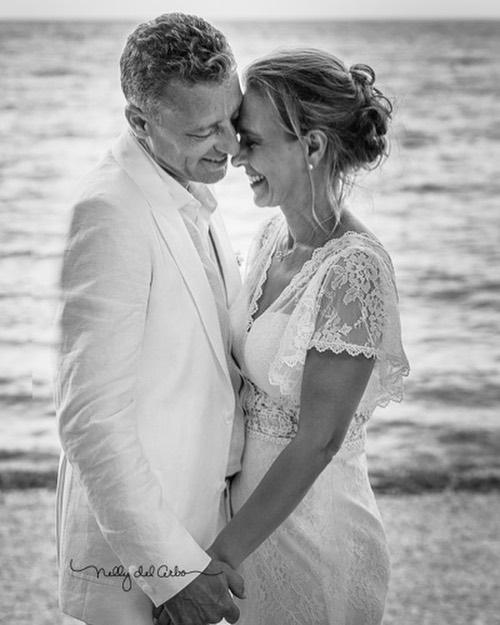 25 años caminando por la Vida y os deseo que sigan juntos muchísimos más. #CelebrandoelAmor #bodadeplata #amoresporsiempre #capturandolamagia  #weddings #anniversary #lovestory