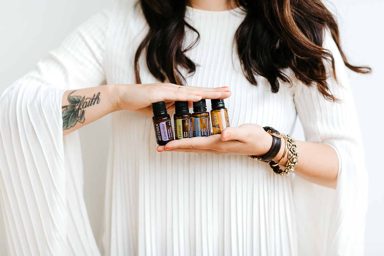 essential oils - Making the switch to plant medicine? Looking to up level your home + health? Essential oils are Earth's gift to bring your body + life into balance.