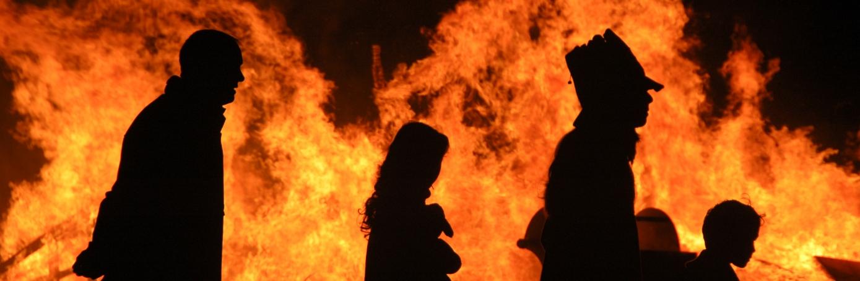 halloween-bonfire-halloween-around-world-H.jpeg