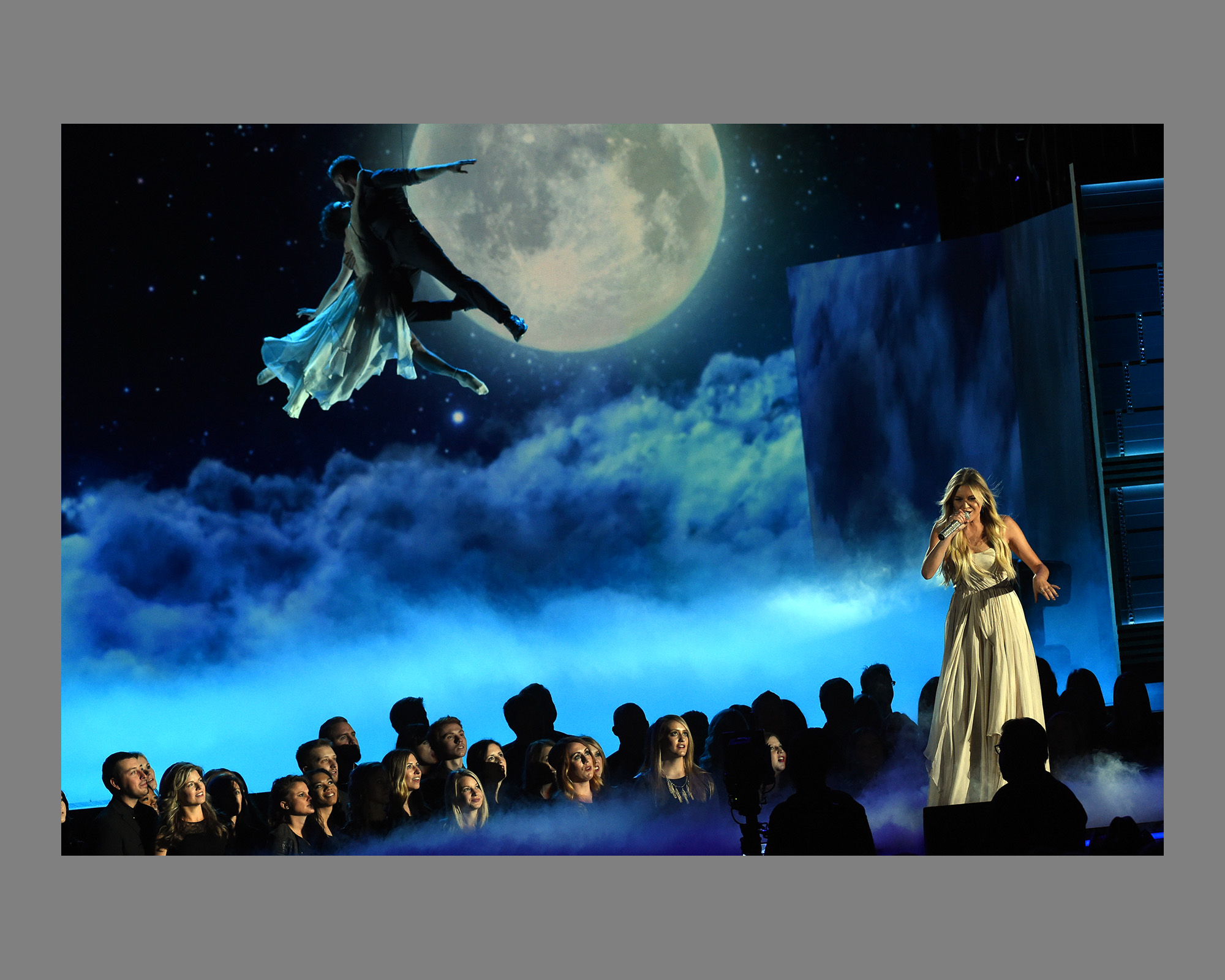 Kelsea Ballerini Performance, Peter Pan at CMA Awards 2016 with Dancer's Travis Wall and Melanie Moore