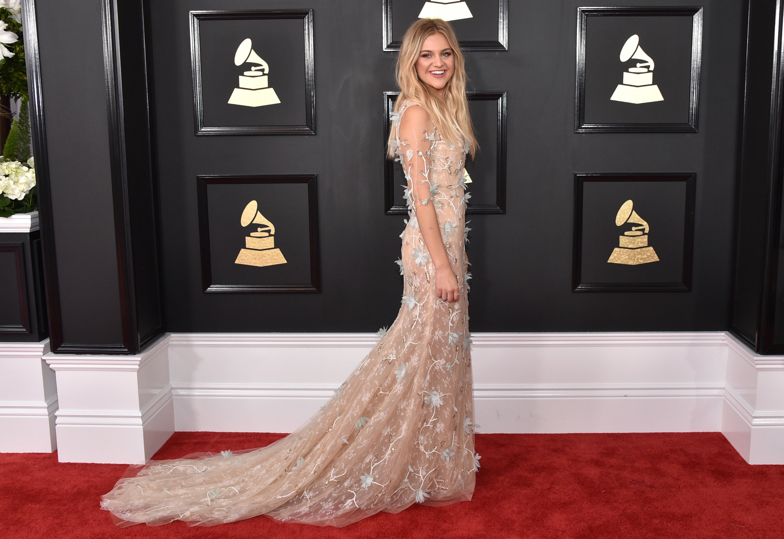 Kelsea Red Carpet Grammys 2017.jpg