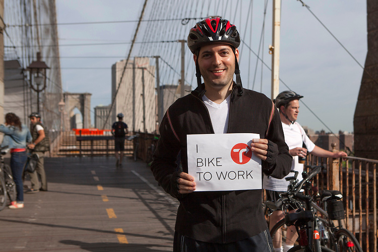 I didn't commute over the Brooklyn Bridge, but went out of my way for this T.A. photo op!