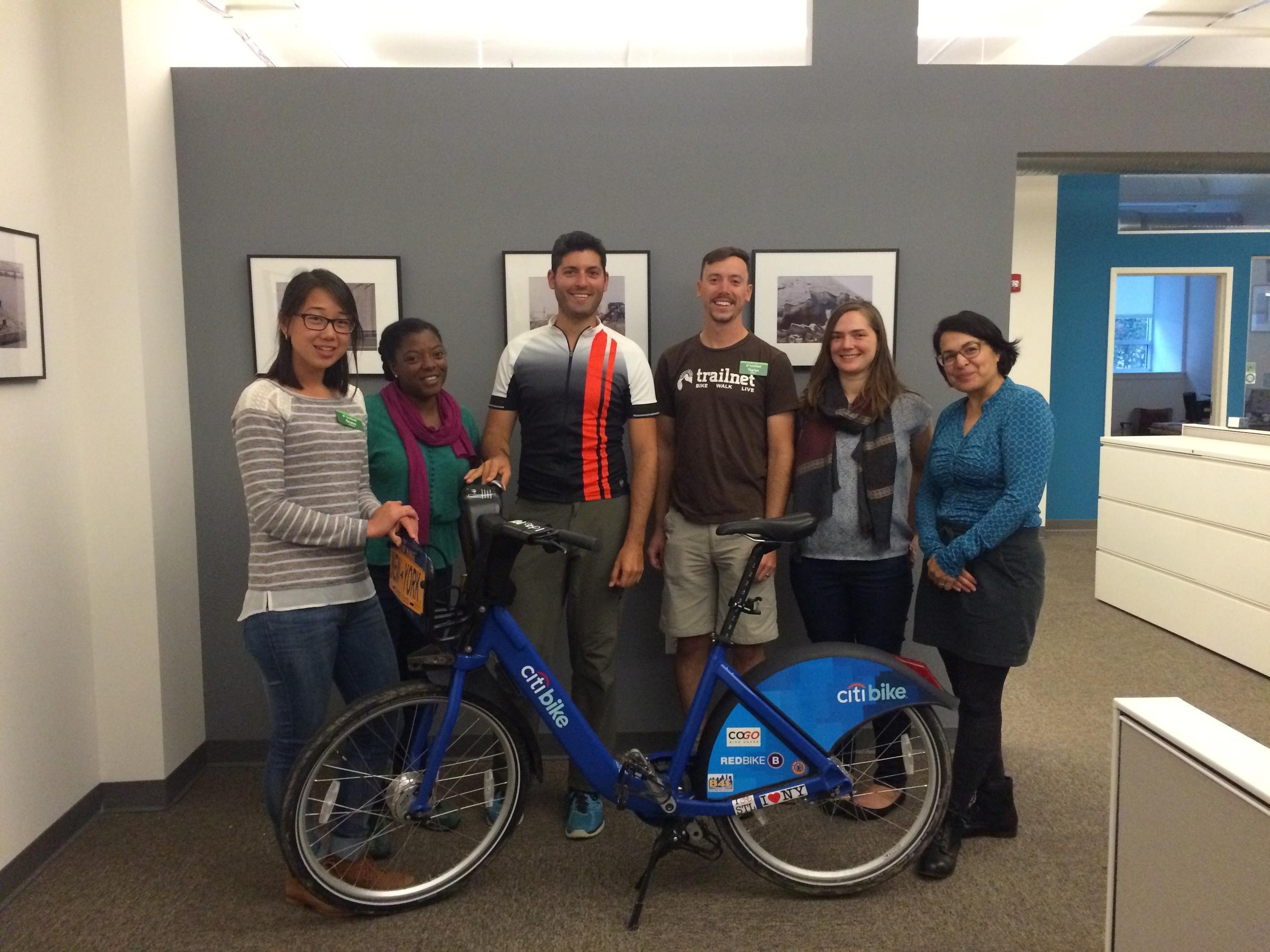 Grace, Jennifer, Countri Bike, Taylor, Marielle and Cindy of Trailnet