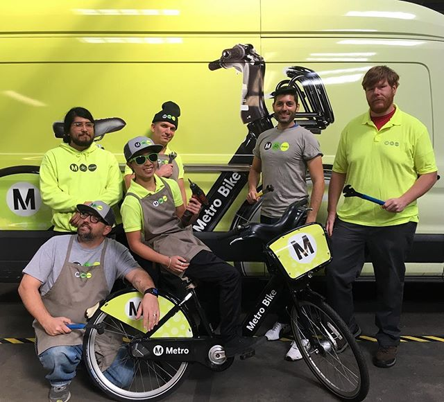 I fit right in! 💛 @bikemetro. Maybe I should stay in LA and work here 🚲☀️🌴 #bikela #dtla #bikeshare