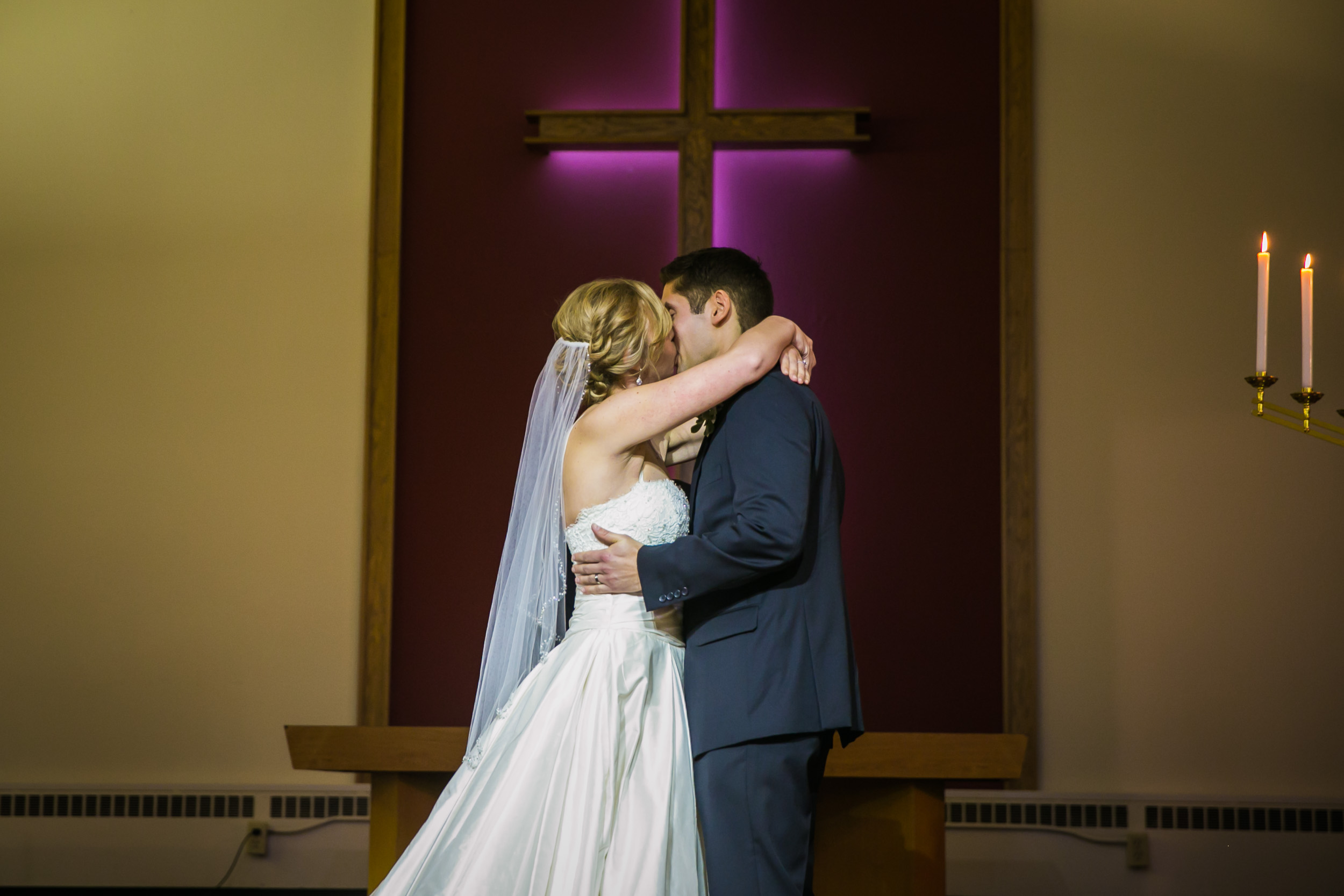 Seattle Community Church Wedding Photography | By G. Lin Photography | First Kiss