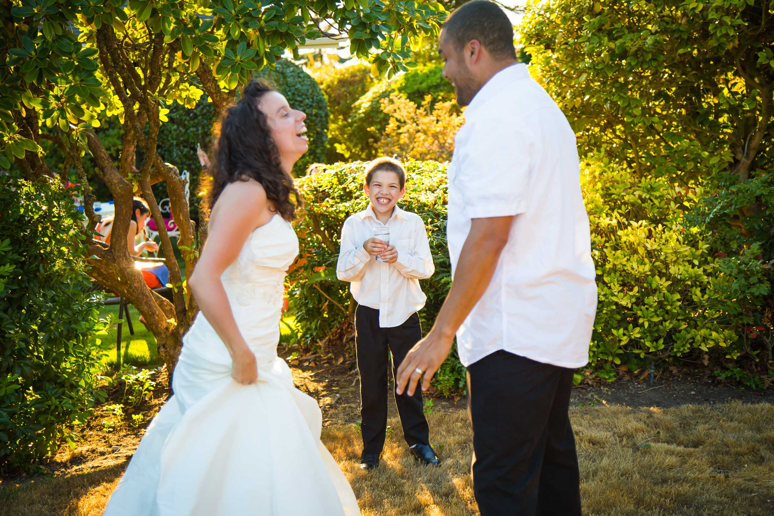 Seattle Wedding Photographer | By G. Lin Photography | Sunset shot of candid moment