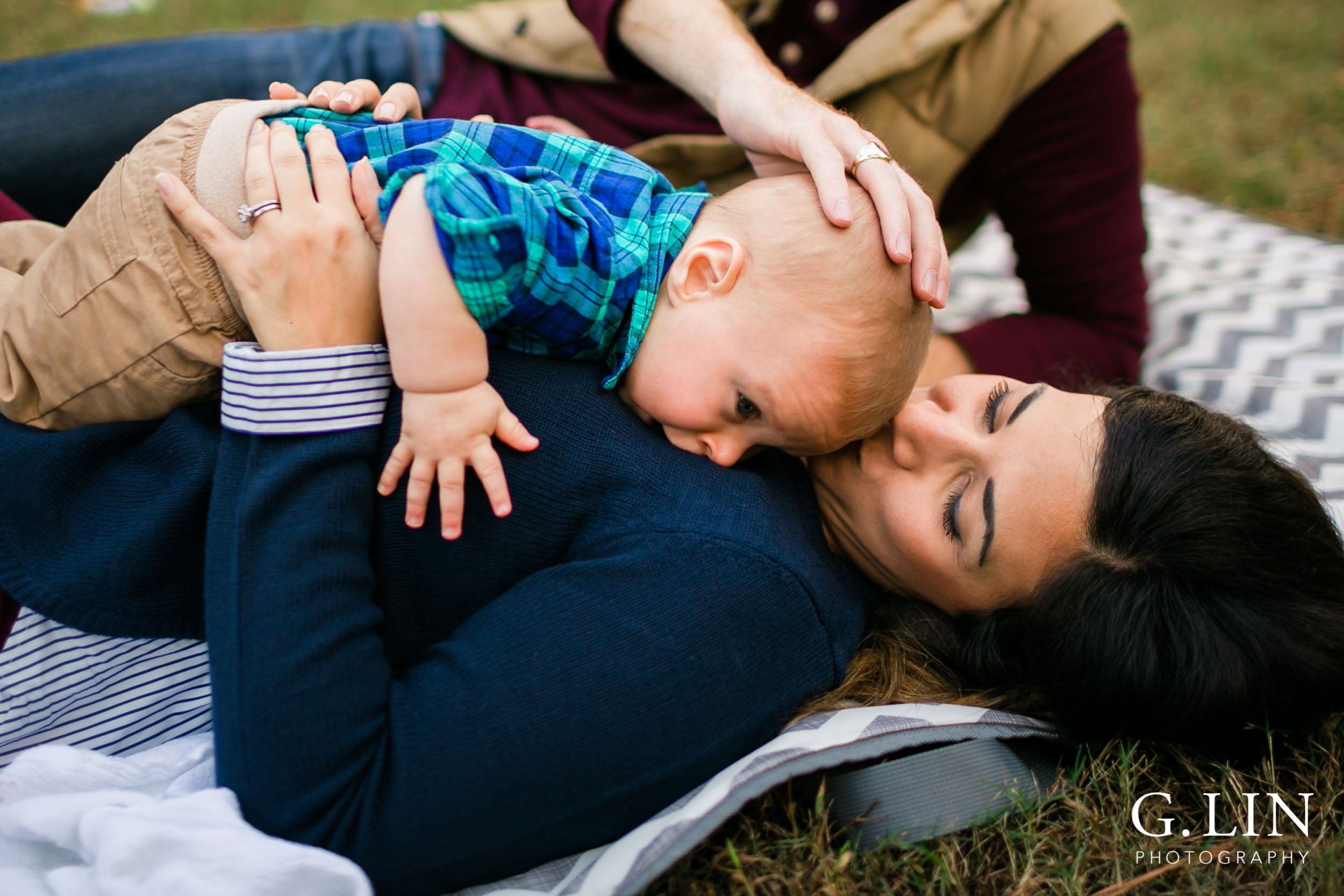 Precious moment between mom and baby | Raleigh Newborn Photographer | G. Lin Photography