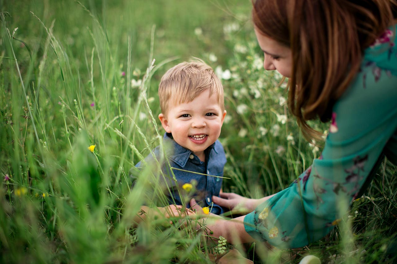 Durham Maternity Photographer | G. Lin Photography | Little boy smiling at camera