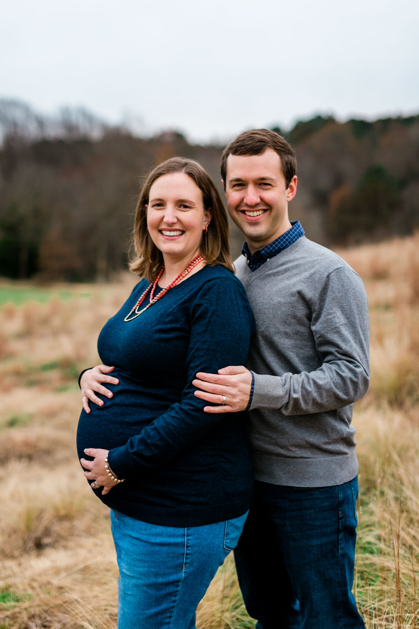 Outdoor maternity session at ncma | Raleigh Maternity Photographer | By G. Lin Photography