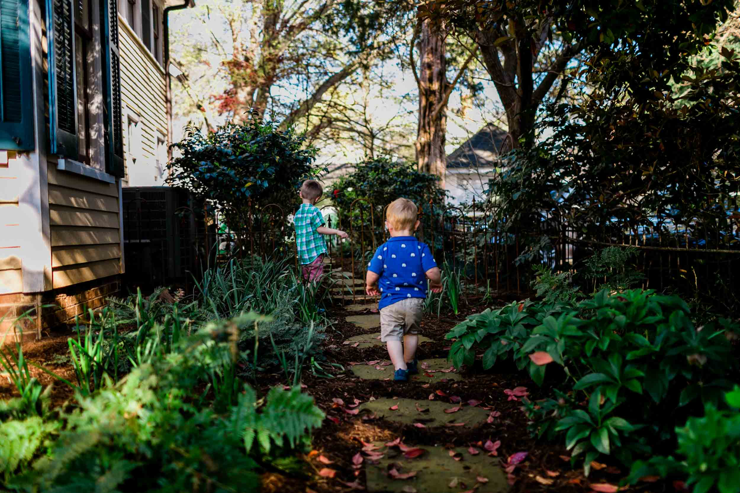 Durham Family Photographer | By G. Lin Photography | Children walking in yard