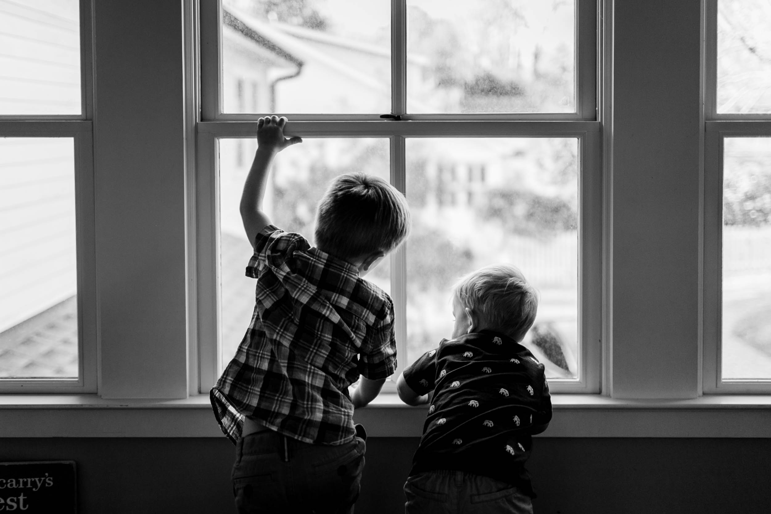 Children playing by window | Durham Photographer | By G. Lin Photography