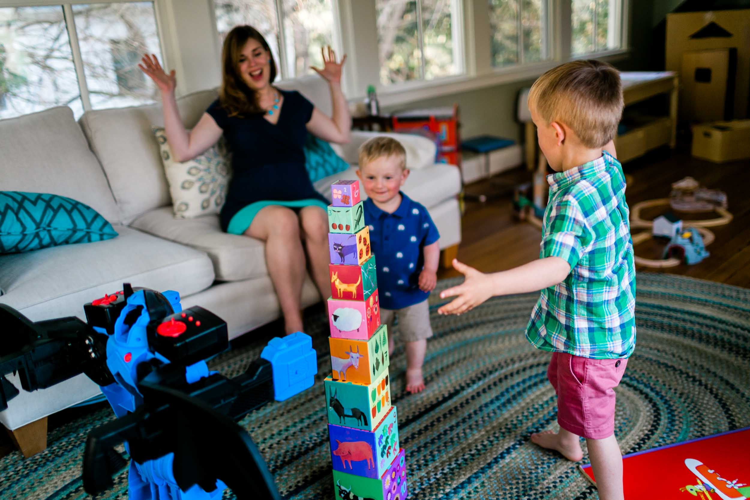 Durham Photographer | By G. Lin Photography | Children playing with blocks