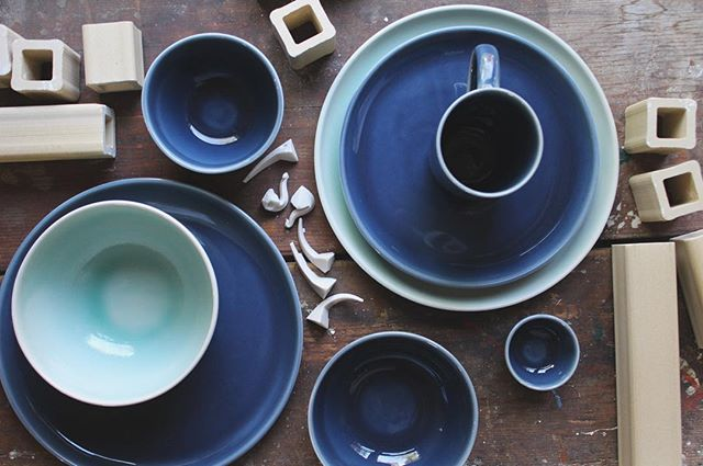 New glaze color alert! Introducing Wild Blue, a dusty indigo inspired by ripe wild Maine blueberries! We are having so much fun mixing and matching this new glaze with our other colors to create unexpected place setting color combos. Pictured here with Celadon. Now available to order at link in bio! 💙 @austinpsmithceramics #camdenclayco #newglaze #handmadeceramics #porcelain #pottery #madeinmaine #wildmaineblueberries #maineblueberries #wildblue #wildblues