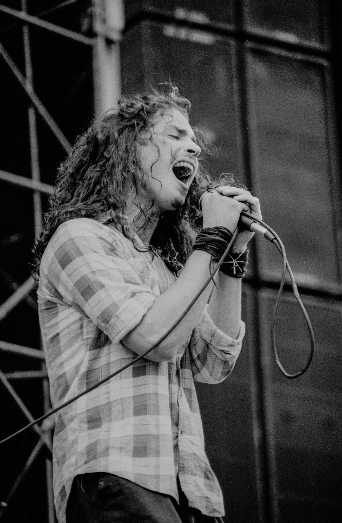 Soundgarden 5-92 351-2.jpg