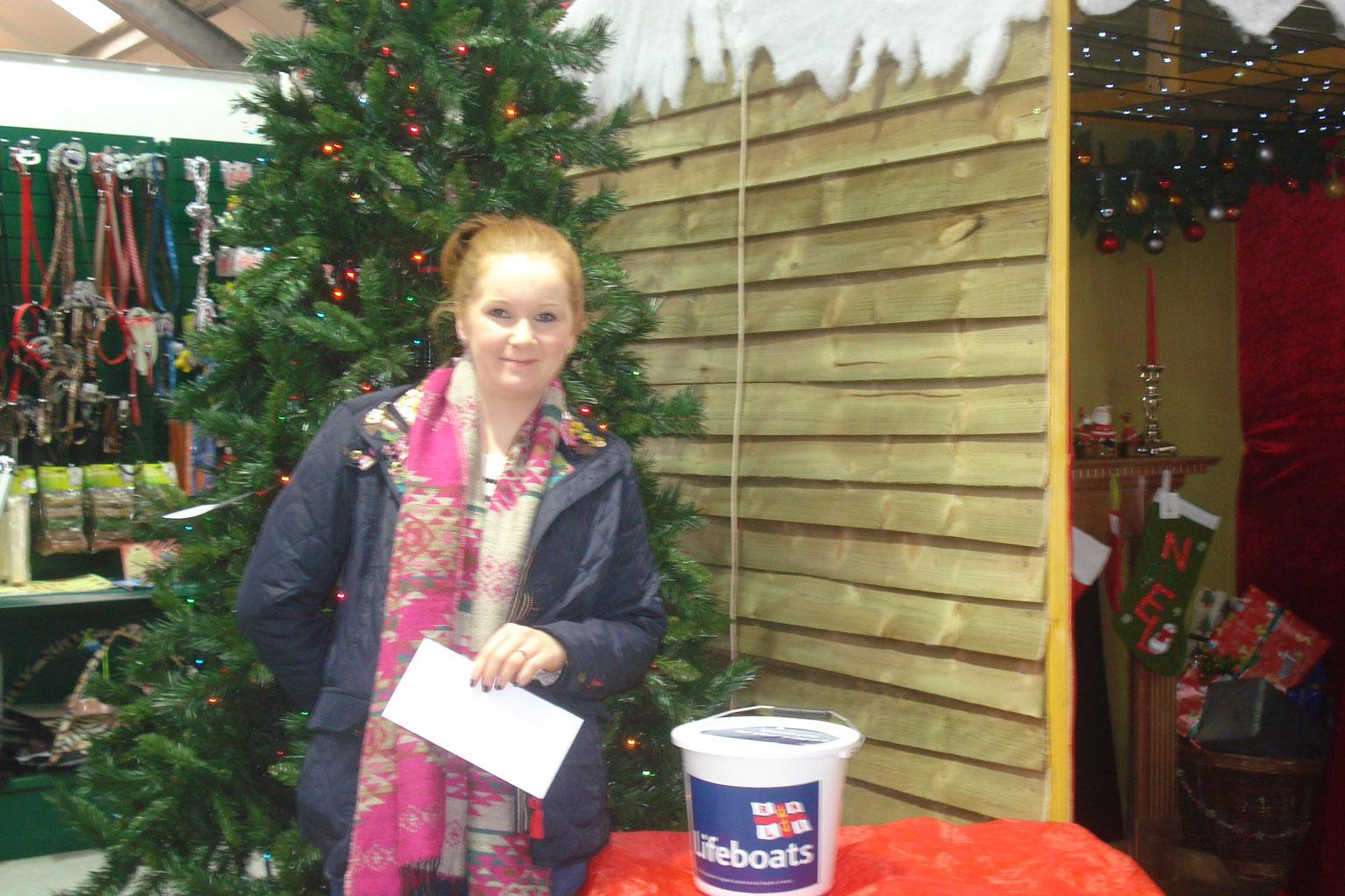 Jennifer with her £100 prize