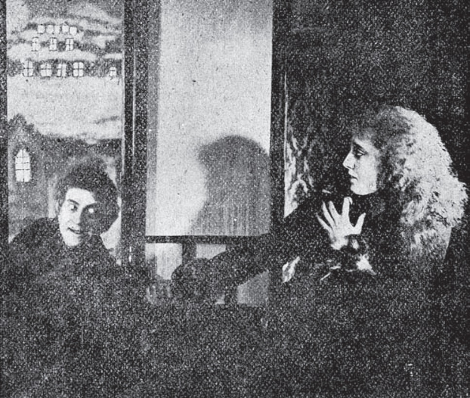 A picture from the film  Drakula Halála  (1921)
