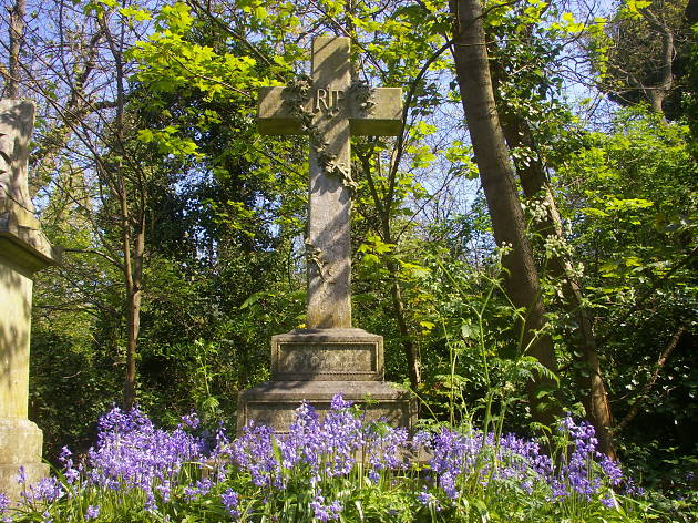nunhead cemetery cross.jpg