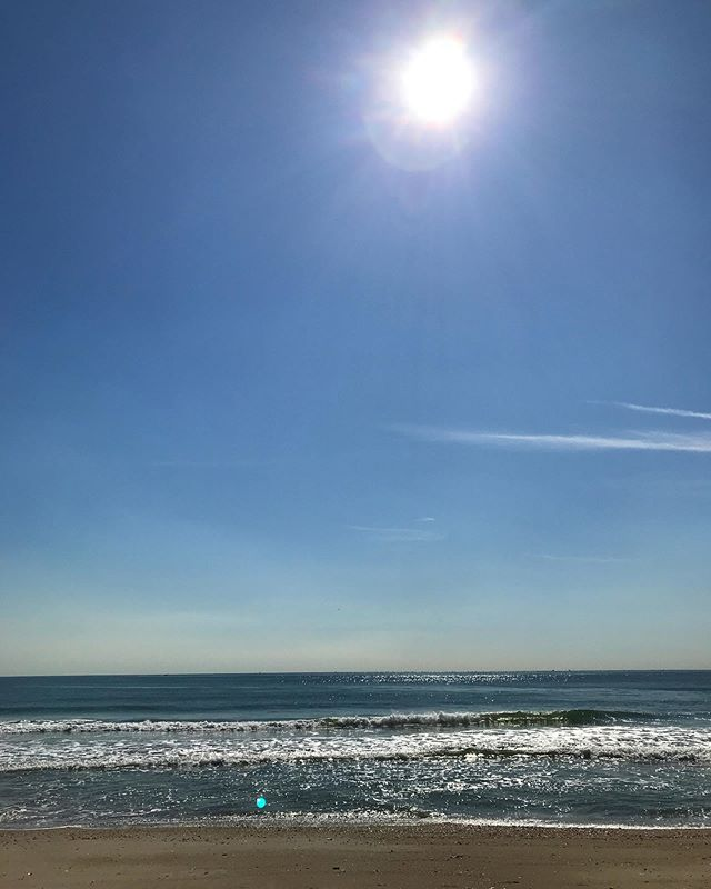 Beautiful autumn day at Rockaway. Two hours in the ultimate physical therapy environment bringing my elbow back to the joie de vivre . Cringe award 🥇 of 2019 goes to the guy on his jet ski hounding a pod of dolphins going up the beach getting video clips for his insta-ocean-lifestyle brand.
