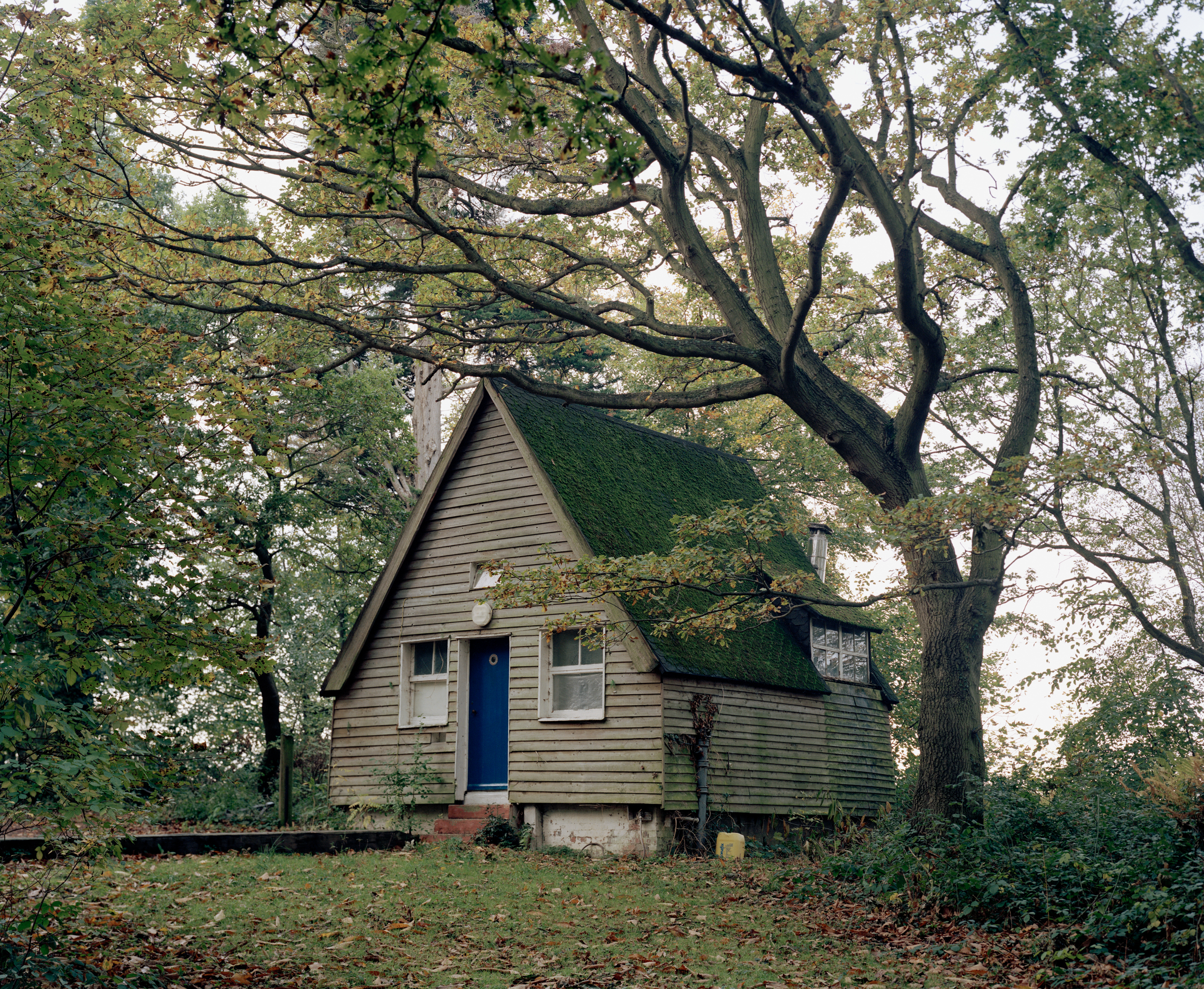 Cabin by the Orwell, Woolverstone, 2013.jpg
