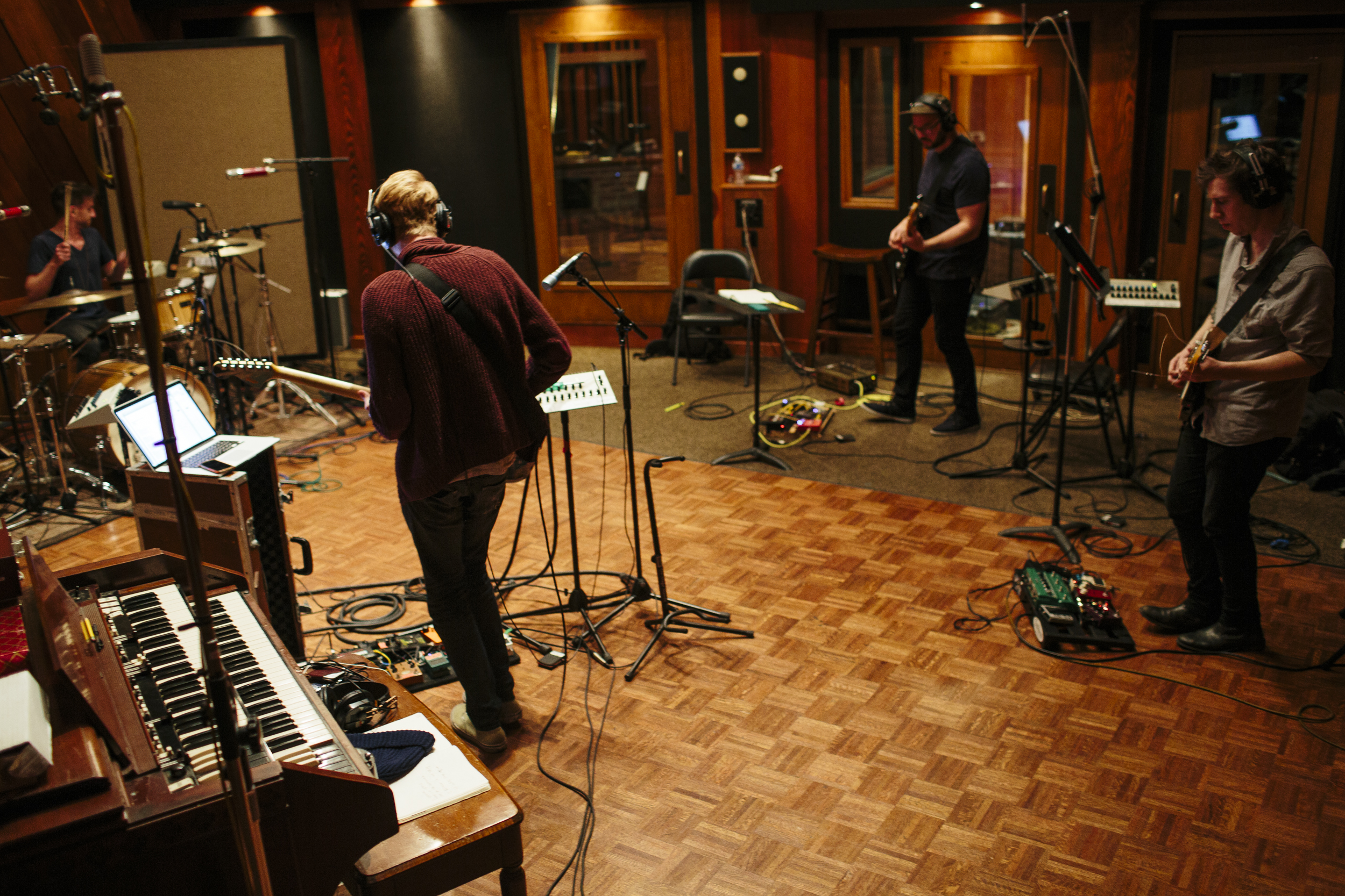 The live tracking room in Ronnie's Place.