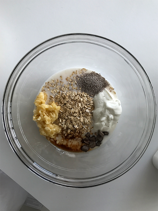 Charm + Fowl: Banana Chocolate Chip Overnight Oats
