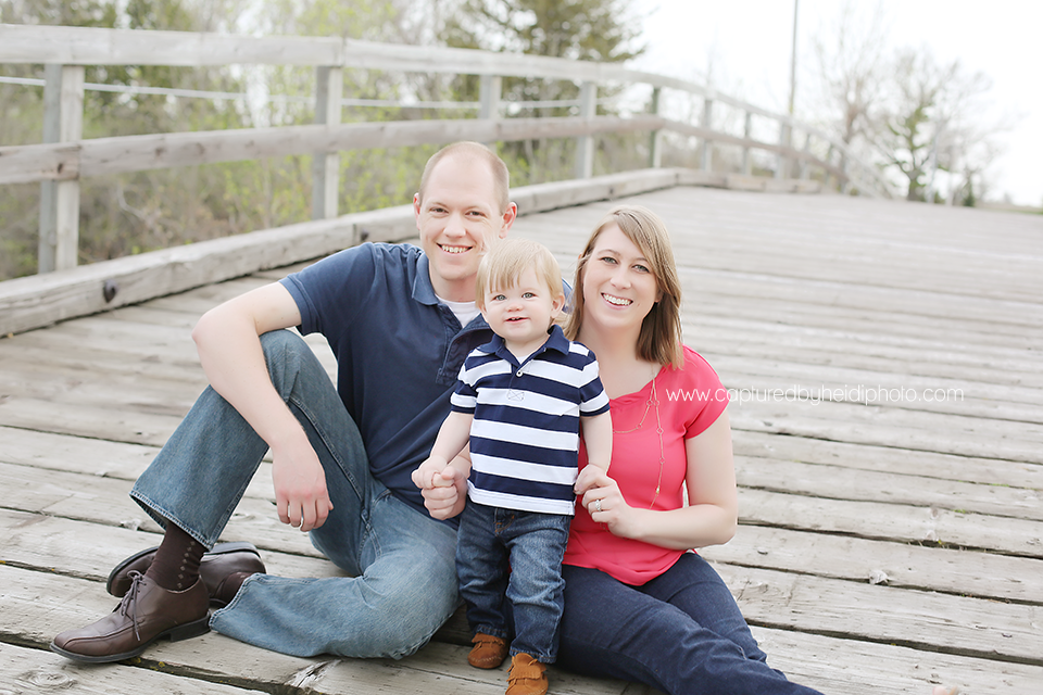 4-central-iowa-family-photographer-huxley-ames-one-year-pictures-donner.png