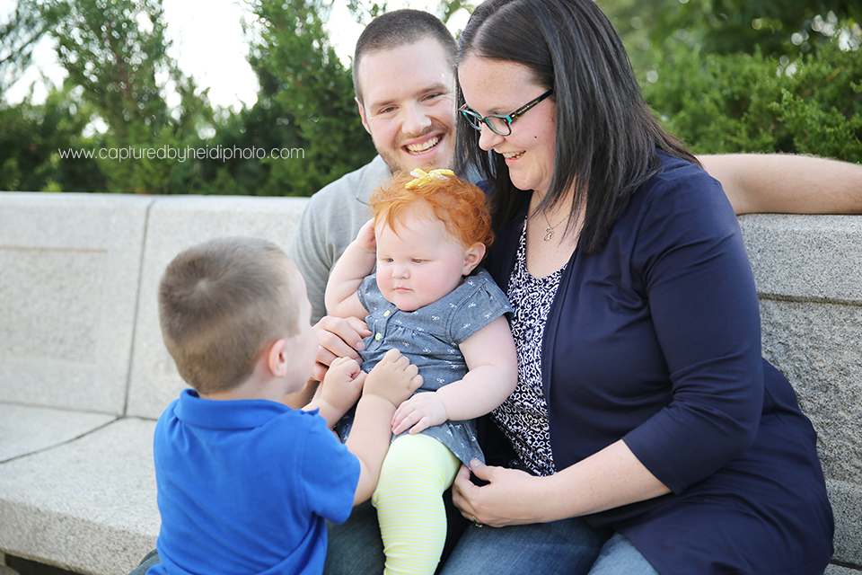 13-central-iowa-photographer-captured-by-heidi-down-town-des-moines-family-session-huxley-desmoines.png