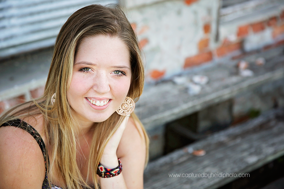 1-central-iowa-senior-photographer-captured-by-heidi-huxle-kelley-begg-senior-pictures.png