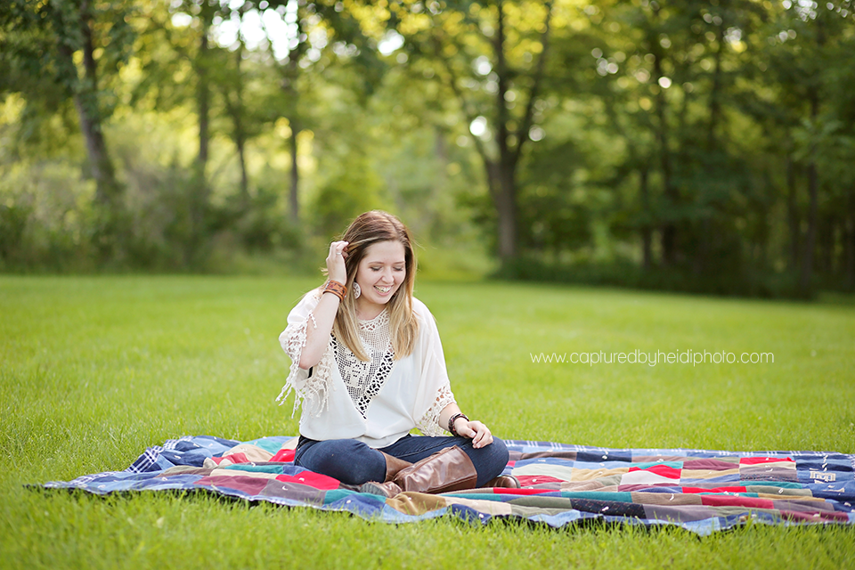 4-central-iowa-senior-photographer-captured-by-heidi-huxle-kelley-begg-senior-pictures.png