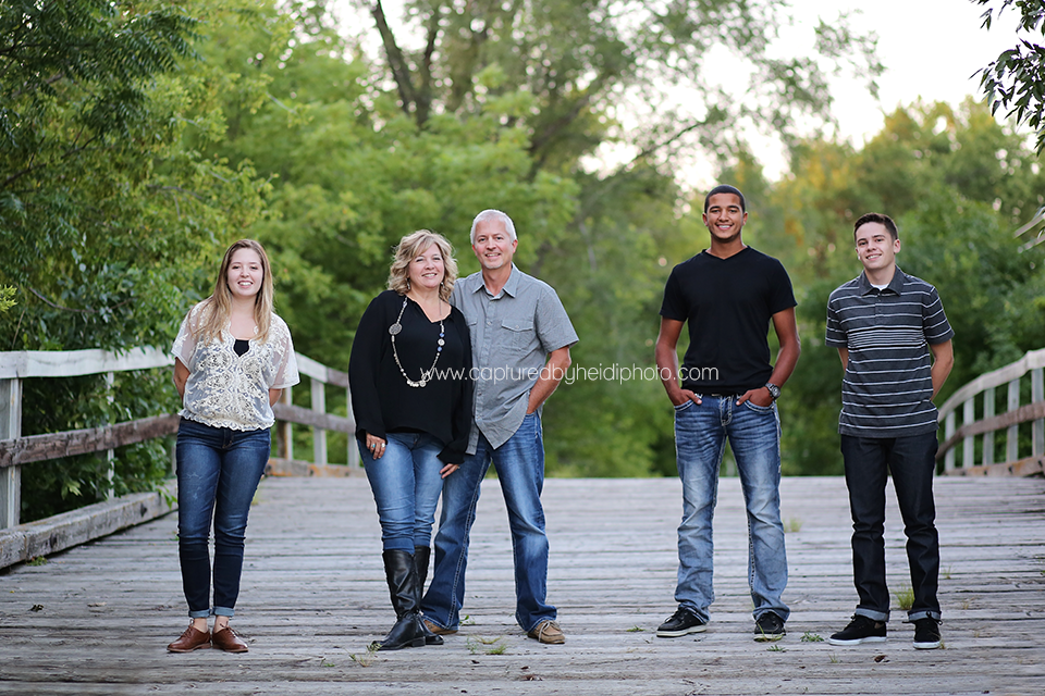 3-central-iowa-family-photographer-huxley-ames-ankeny-begg-family.png