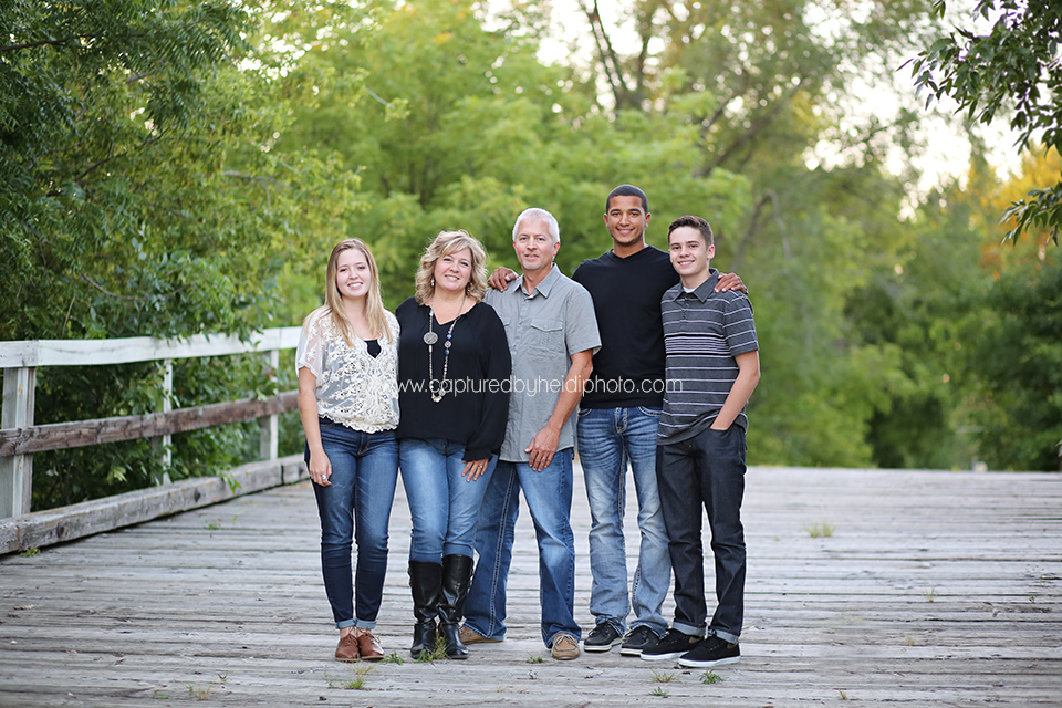5-central-iowa-family-photographer-huxley-ames-ankeny-begg-family.png