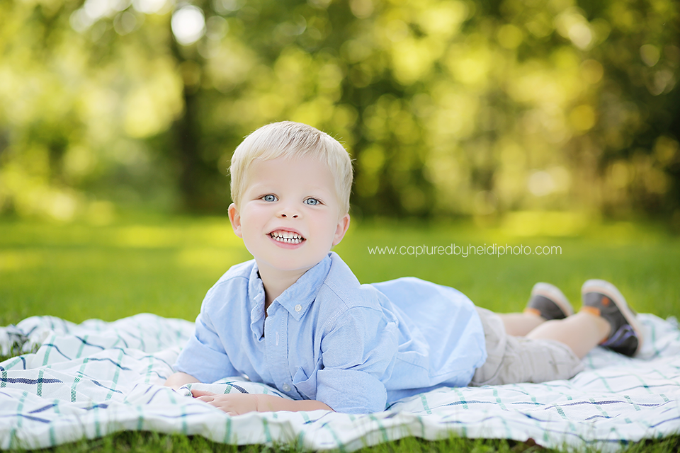 1-central-iowa-children-photographer-huxley-desmoines-corydon-photographer-three-year-old-boy-pictures-klingbeil.png