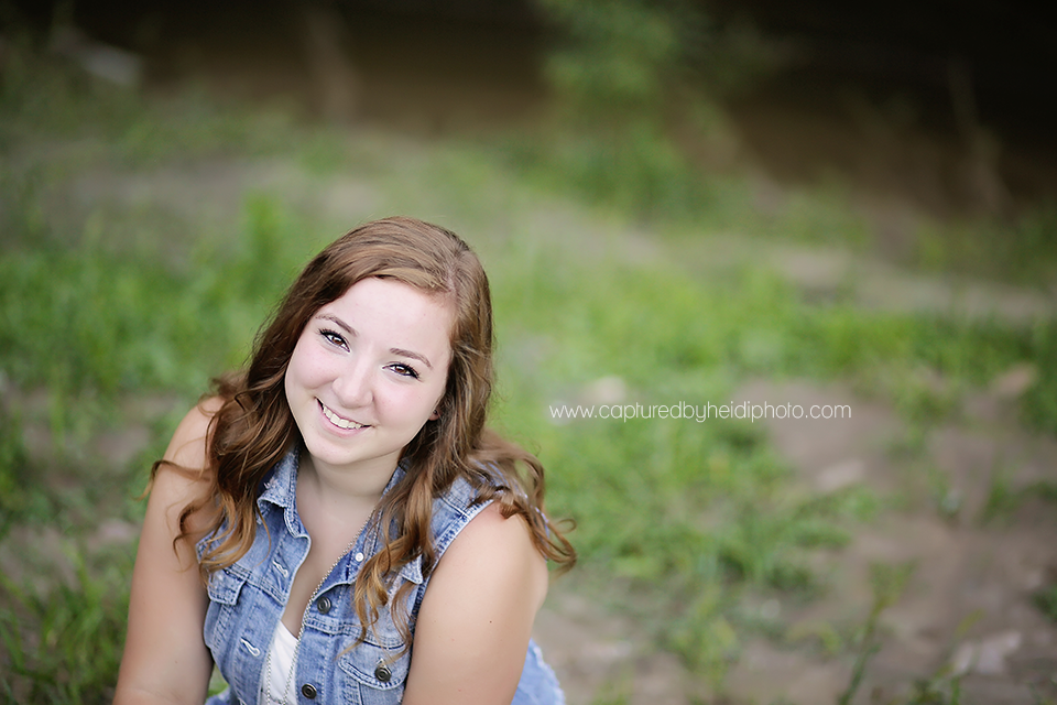 6-central-iowa-senior-photographer-huxley-ames-boone-ledges-park-senior-girl-pictures-andrea-young.png