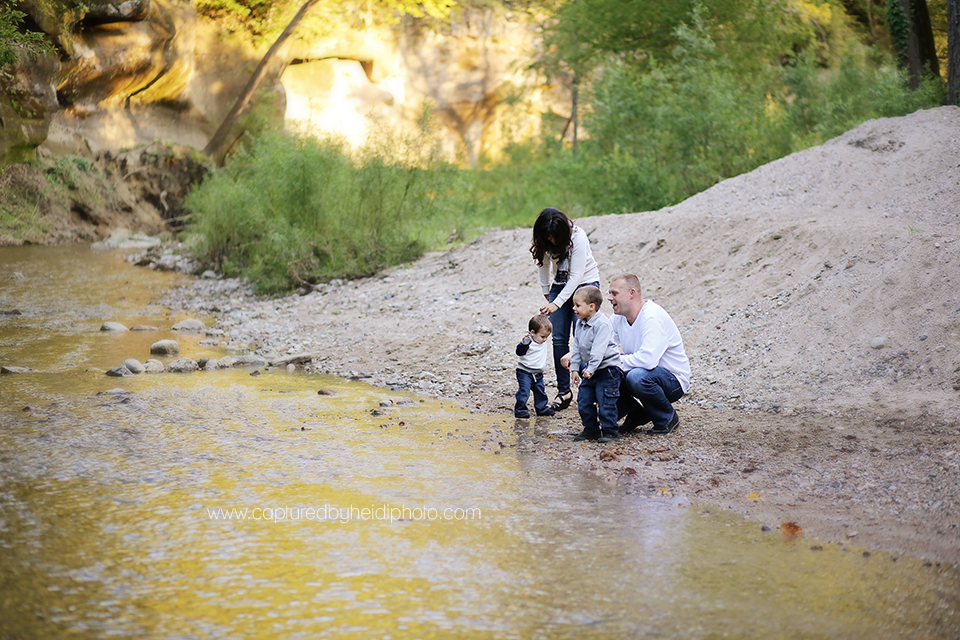 6-central-iowa-family-photographer-huxley-madrid-boone-panora-swanson-family-pictures-ledges-state-park.png