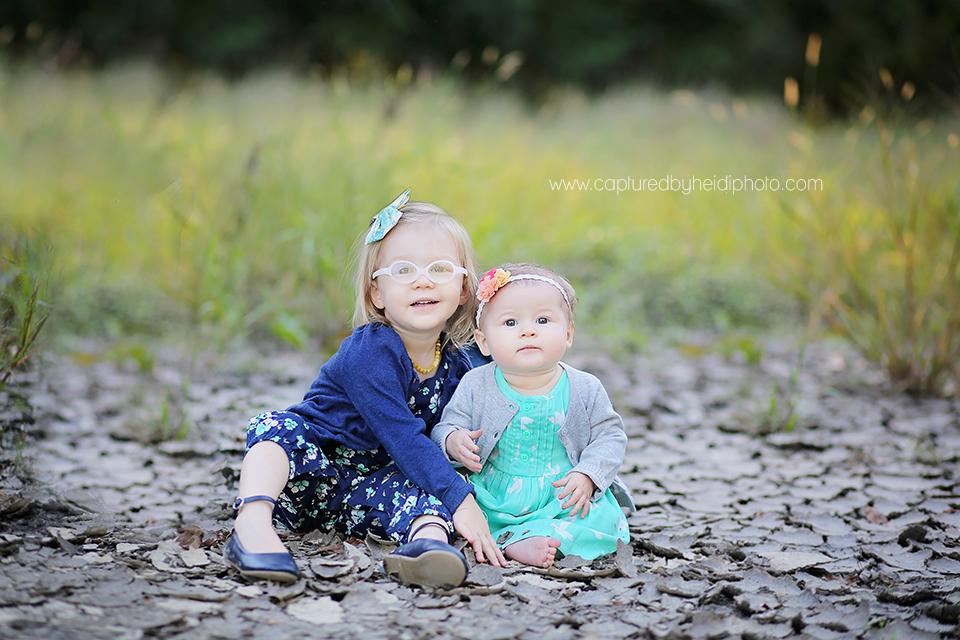 1-central-iowa-children-photographer-lorentzen-family-huxley-des-moines-yellowbanks-park-family-pictures.png