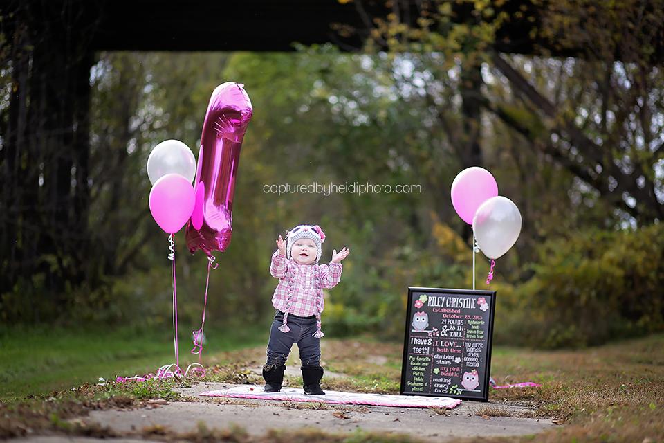 2-central-iowa-baby-photographer-cake-smash-huxley-ankeny-desmoinse.png