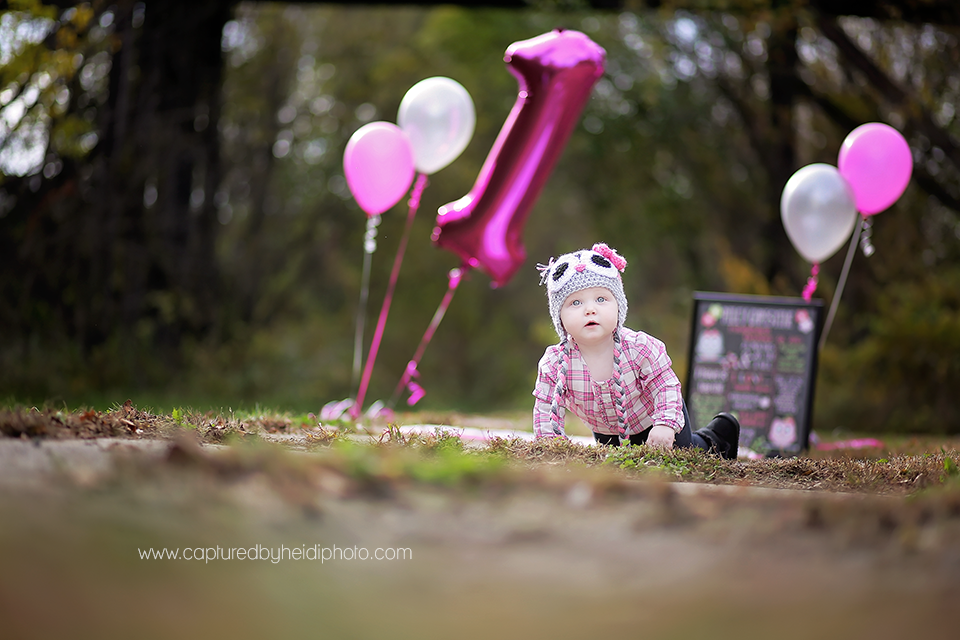 3-central-iowa-baby-photographer-cake-smash-huxley-ankeny-desmoinse.png