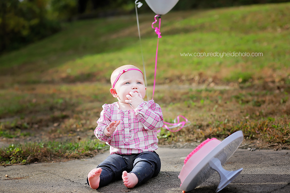6-central-iowa-baby-photographer-cake-smash-huxley-ankeny-desmoinse.png