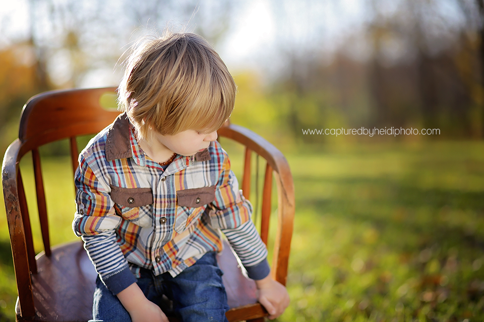 4-central-iowa-children-photographer-huxley-ballard-three-year-old-boy-pictures.png