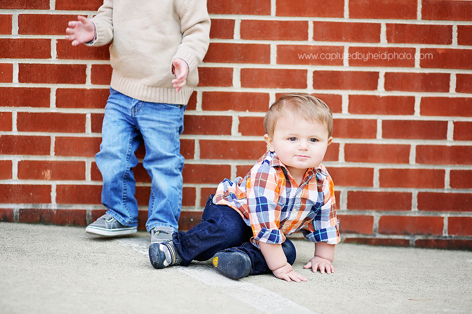 4-turner-central-iowa-family-photographer-huxley-boone-ankeny-down-town-desmoines-family-session.png