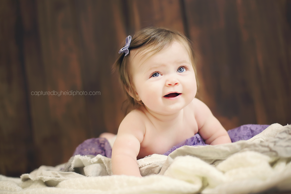 2-calhoun-central-iowa-baby-photographer-huxley-desmoines-indianola-six-month-baby-girl-pictures.png