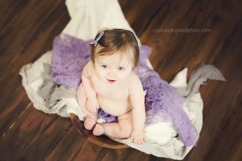 4-calhoun-central-iowa-baby-photographer-huxley-desmoines-indianola-six-month-baby-girl-pictures.png