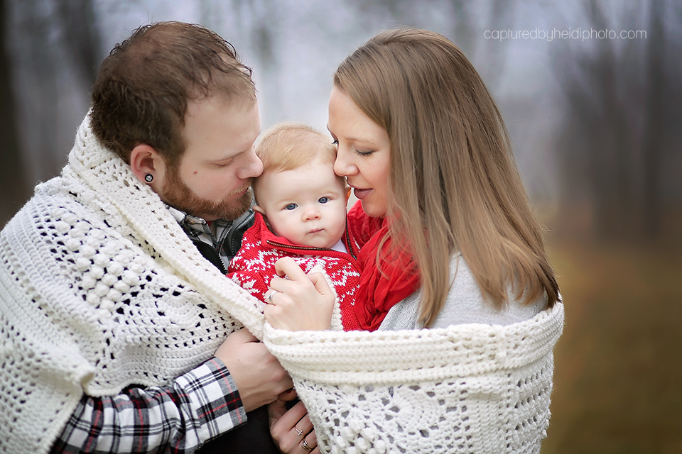 2-central-iowa-baby-photographer-captured-by-heidi-huxley-ames-six-month-boy-pictures.png