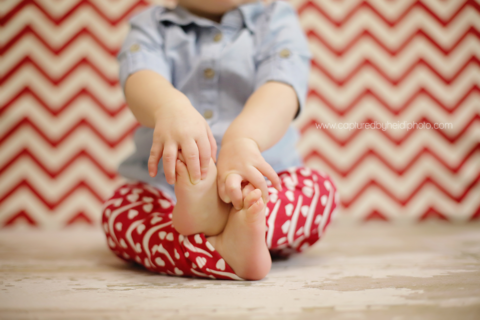4-central-iowa-baby-photographer-one-year-old-girl-birthday-pictures-huxley-desmoines-st-charles-iowa-photographer.png